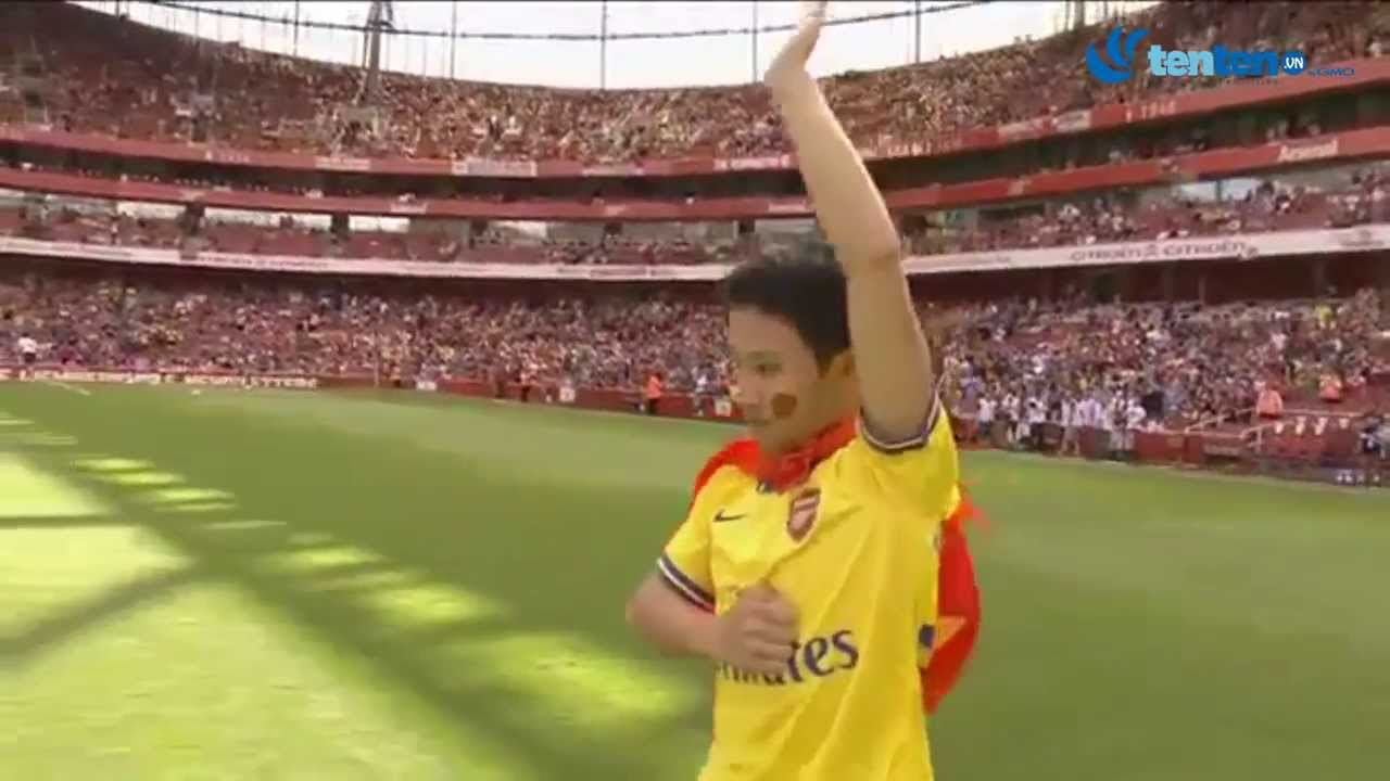 Running man - Vũ Xuân Tiến tại sân Emirates - Arsenal Tour 2013 in Vietnam