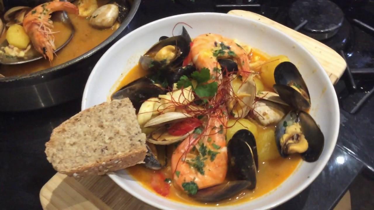 Soupe de poisson aux fruits de mer - recette facile - YouTube