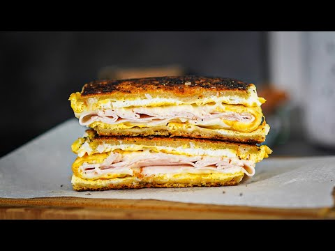 super-astuce-breakfast-sandwich-oeuf-poulet-fromage