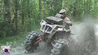 POLARIS 1000 AND OTHERS THROWING SOME MUD!
