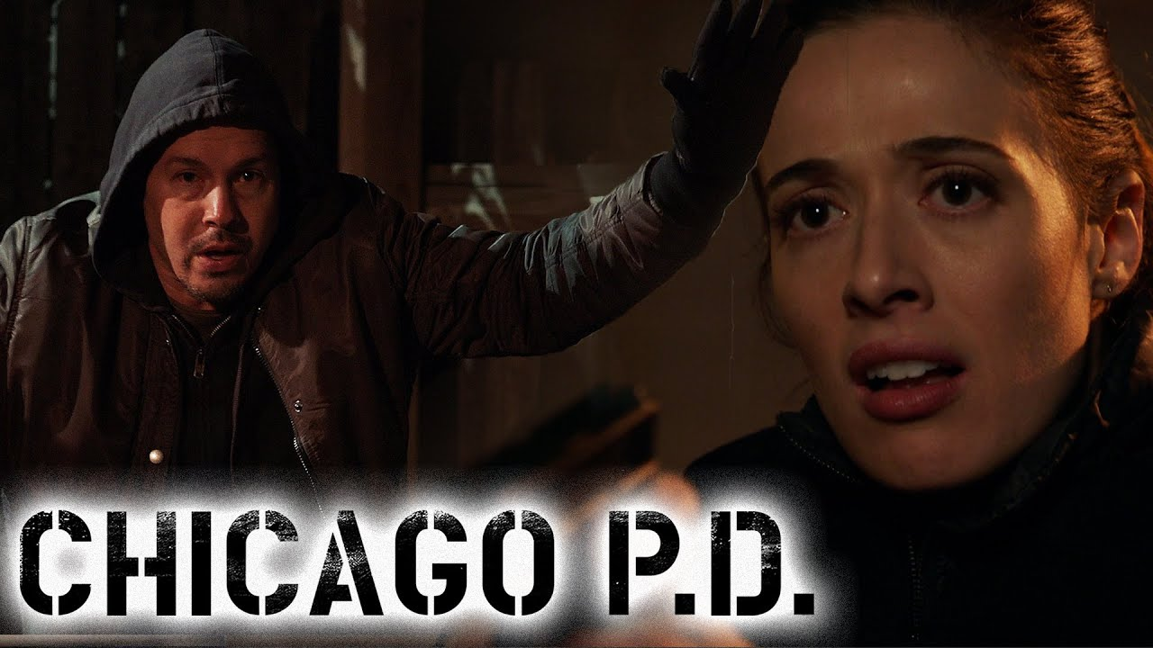 Burgess Finds Antonio At A Drug Bust  | Chicago P.D.