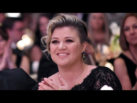 Kelly Clarkson Welcomes a Baby Boy -- Find Out His Name!