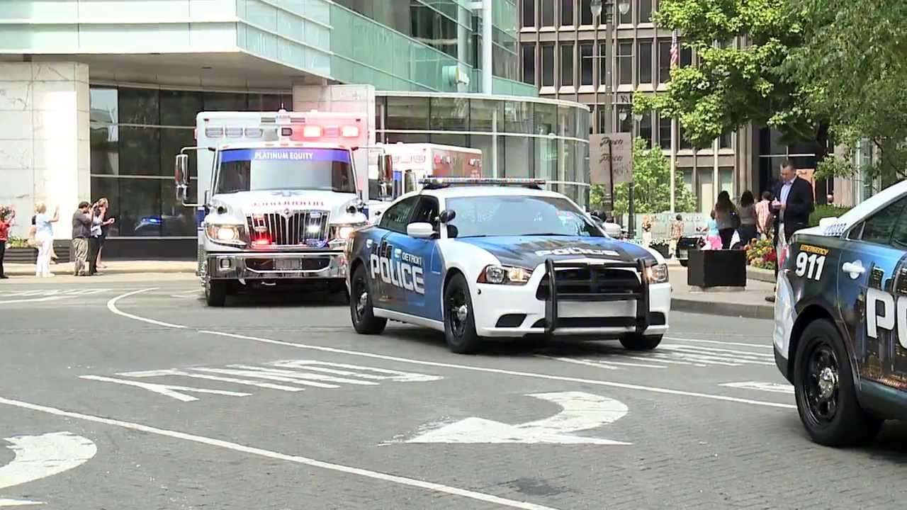 Dodge Charger Police >> Dodge Donates Charger Pursuit Vehicles to Detroit Police Department - YouTube