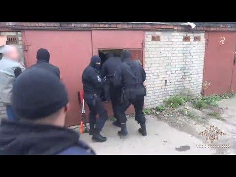 Смотреть В Видном в гаражах на ПЛК нашли около полутонны наркотиков онлайн