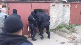 В Видном в гаражах на ПЛК нашли около полутонны наркотиков