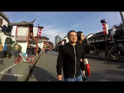 WALKING AROUND SHANGHAI OLD CITY (HUANGPU DISTRICT) - SHANGHAI, CHINA