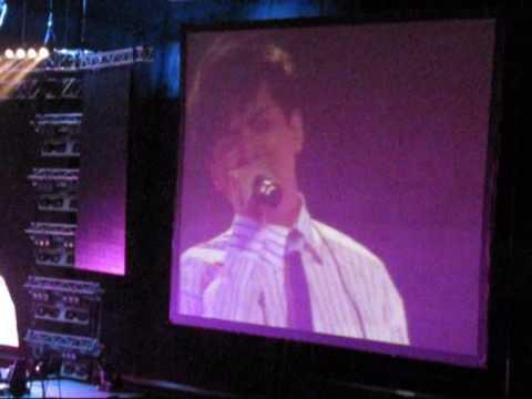 Chen Xiao Dong singing Bi Wo Xin Fu at Lee Wei Song, Si Song Concert