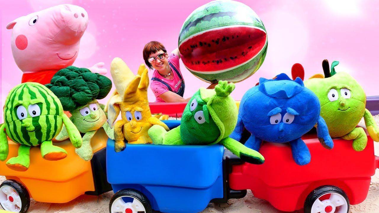 Песочница у Свинки Пеппы - Играем в огород с Машей Капуки - Видео с игрушками для детей