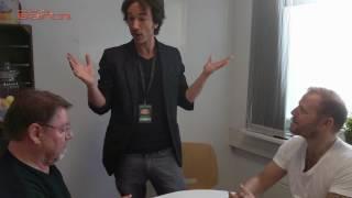 Magier Nicolai Friedrich verzaubert Mario und Jürgen von der Lippe