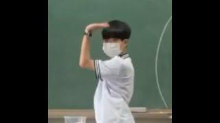 한국사 수업시간에 냅다 디귿을 만들어