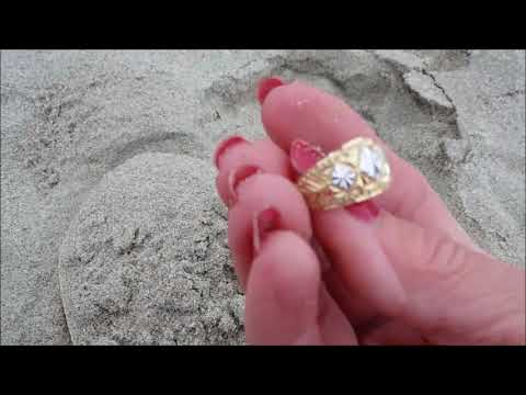 Pacific Gold, Fidget Spinner action & Solar Eclipse, Beach Metal Detecting in Cannon Beach, Oregon