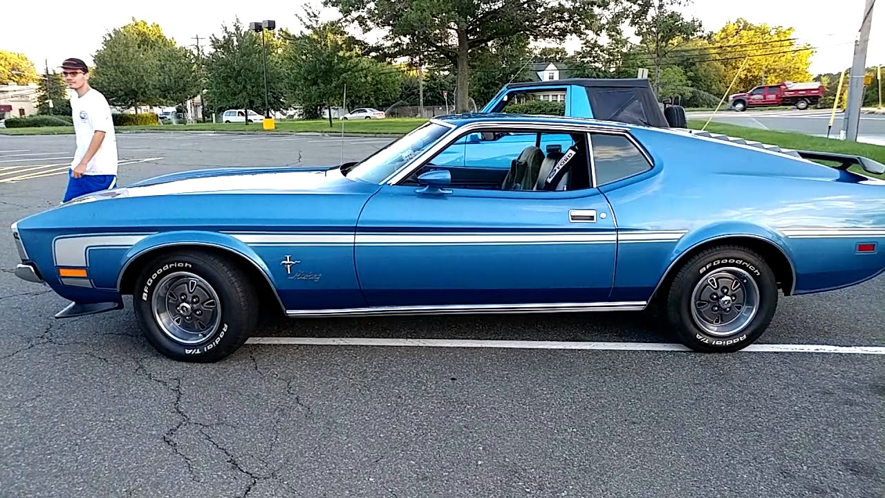 1972 metallic electric blue ford mustang fastback mach 1