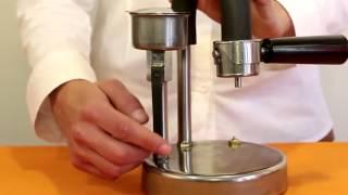 Kamira . Preparazione di un espresso cremoso
