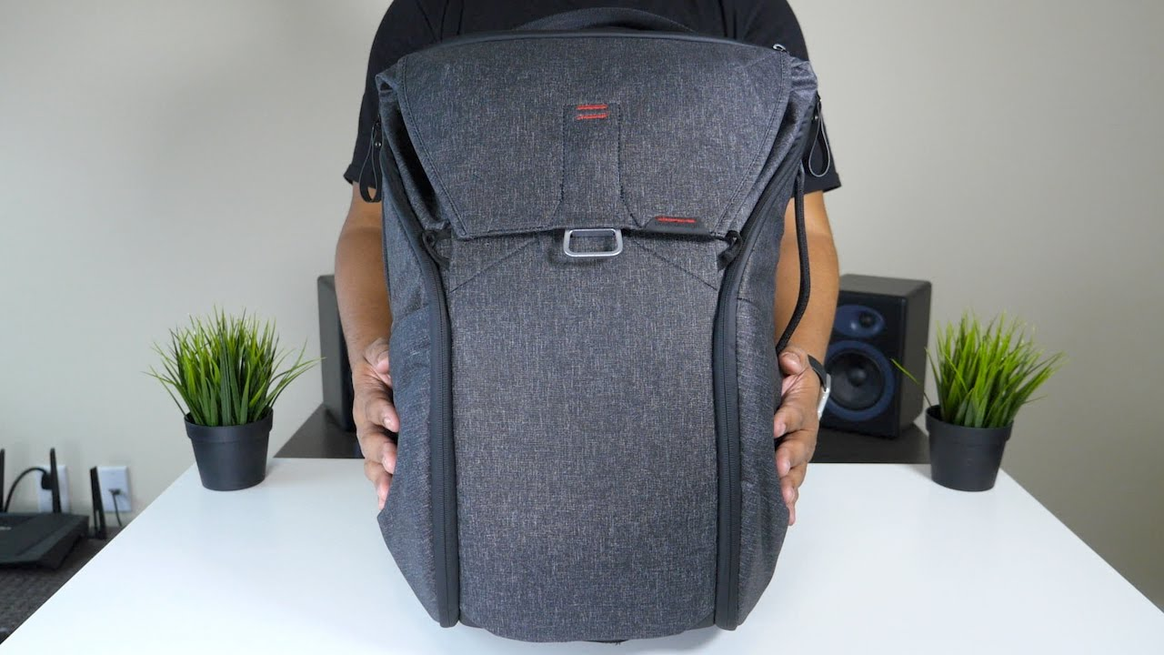 Peak Design Everyday Backpack  Hands-On! - YouTube a60d8194adf0f