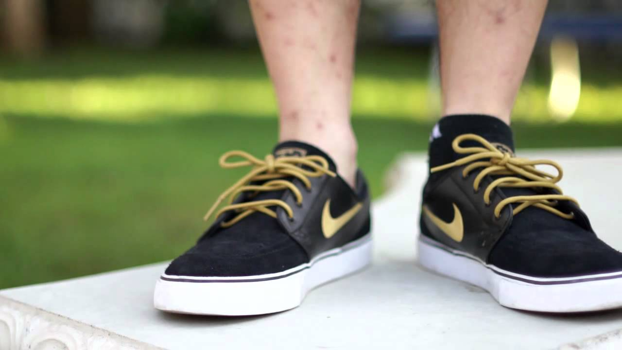 Nike SB Stefan Janoski - Black   Metallic Gold (On Feet) - YouTube 69e05398e672