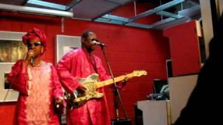 Amadou & Mariam - Masiteladi - Live at Pure Groove London
