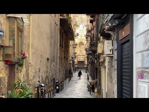 «Anna verrà», la poesia di una Napoli deserta che aspetta il cambiamento