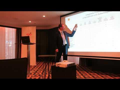 Finanzmarktaufsicht-Vorstand Klaus Kumpfmüller beim Business Breakfast der AmCham Austria