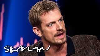 Joel Kinnaman explains why he wasn't surprised by #metoo | English sub. | SVT/NRK/Skavlan