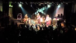 Nikki Corvette & the Romeos at Poolbar Festival // He