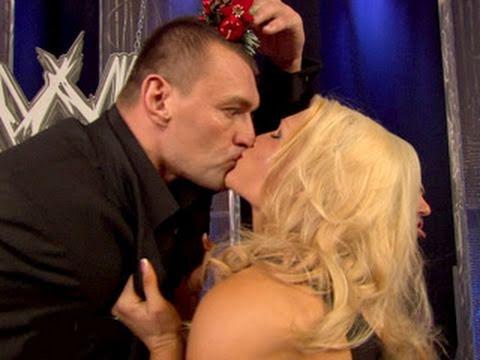 SmackDown: Vladimir Kozlov steals a kiss from Beth Phoenix