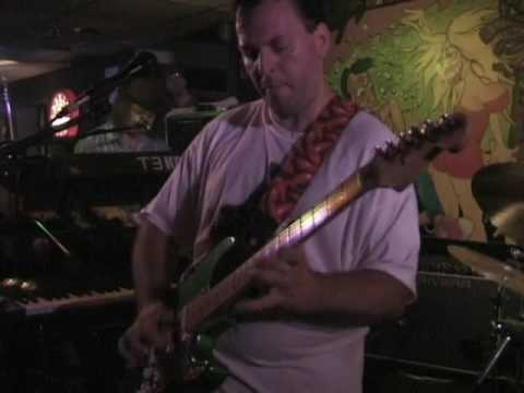 Mike Keneally & Beer For Dolphins   June 21, 1998 – The Court Tavern    New Brunswick, NJ   Part 2