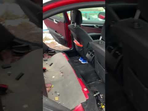 Как снять заднее сиденье на Мерседес W204