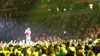 roll with it blake shelton and easton corbin at the mohegan sun arena wilkes barre