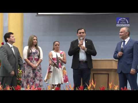 Alcalde de Floridablanca Santander, entrega reconocimiento a la Hna María Luisa Piraquive