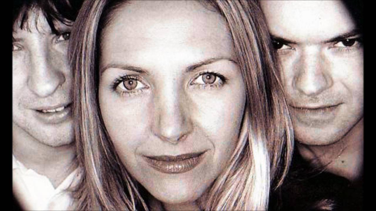 Saint Etienne-Kiss and Make Up