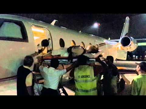 Pesawat Ambulance Mendarat di Seletar Airport Singapura