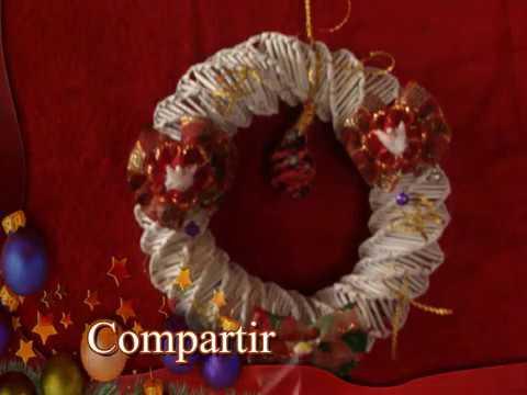 Corona de navidad con hojas de revista christmas wreath for Coronas de navidad hechas a mano