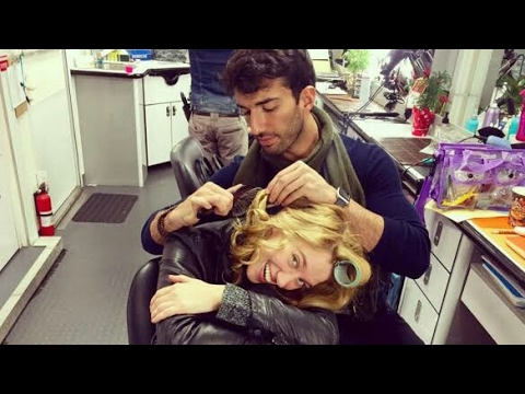 Jane the virgin behins the s with Justin Baldoni & Yael Grobglas
