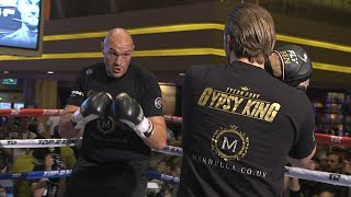 Full Tyson Fury media workout | The Gypsy King shows off speed and smashes the pads