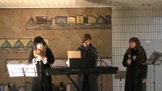 kaho*さん 横浜市出身の戸塚密着型、ピアノ弾き語りシンガーソングライ...