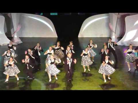 Смотреть клип РОК-Н-РОЛЛ. Танец группы Колибри. онлайн бесплатно в качестве