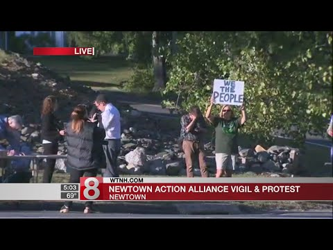 Newtown residents protest for tougher gun laws after Las Vegas shooting