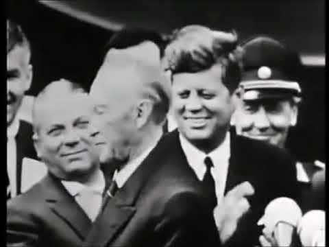 """Adenauer: Berliner unterbrechen Rede von Willy Brandt mit """"Konni""""-Rufen"""
