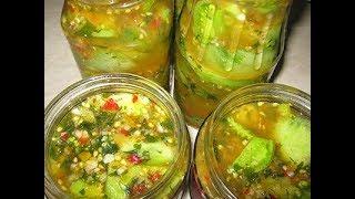 Маринованные дольки  зеленых помидор с чесноком и перцам в собственном соку