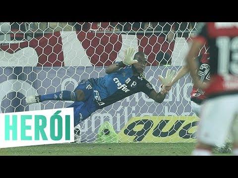 Herói e aniversariante: o show de Jailson contra o Flamengo