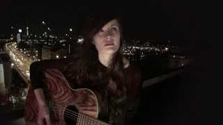 Смотреть клип Madeline Juno - Same Sky