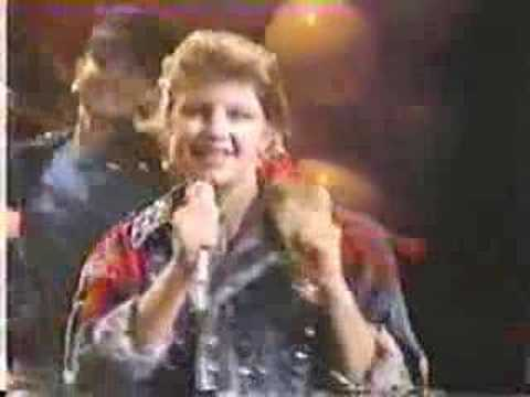 Stacy Ferguson (Fergie / Kids Inc) sings Heaven is a Place ...