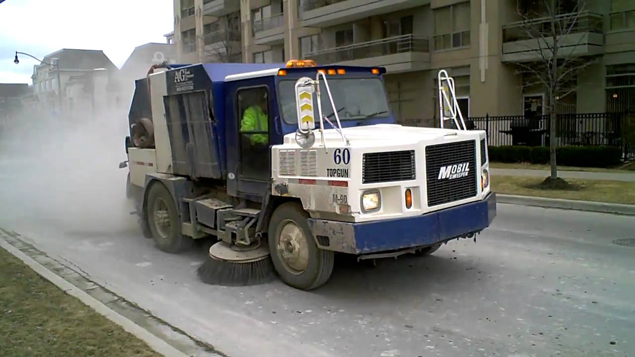 Street cleaning truck - YouTube