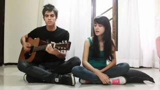 Use Somebody - Kings of Leon (paramore version). Acoustic Cover by Elomalt