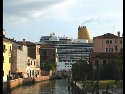 The Tug-of-War Between Venice's Council And Public