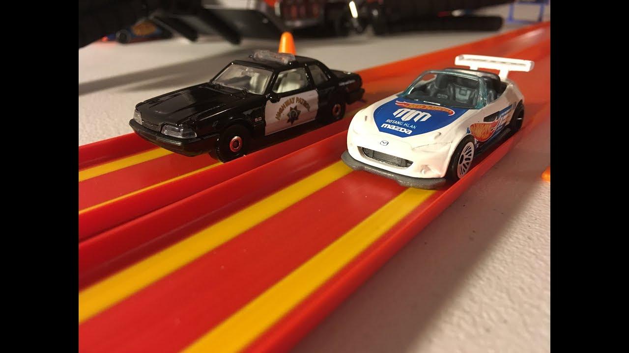 Hot Wheels 2018 B case-15 Mazda MX-5 Miata-Police Race 3 ...