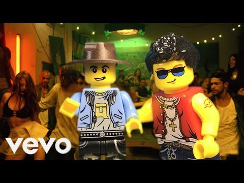 LEGO Version  Luis Fonsi  Despacito ft Daddy Yankee