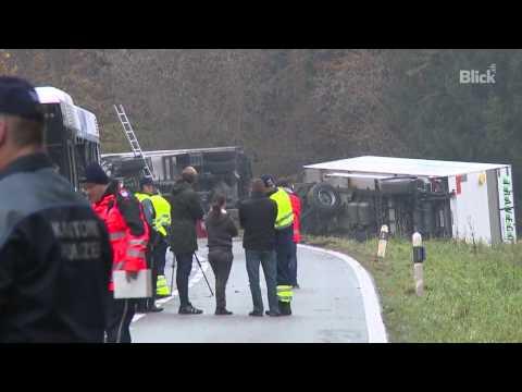 So kam es zum Horror-Unfall im Aargau von YouTube · Dauer:  1 Minuten 31 Sekunden