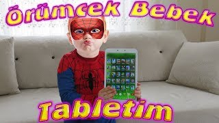 Örümcek Bebek Tabletindeki Oyunları Gösteriyor Örümcek Bebeğin Videoları