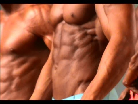Men\'s Physique Competition Arnold Expo 2014 Flexing Muscle Posing For Judges